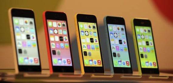 В Испании началась продажа новых телефонов iPhone 5S и   iPhone 5C