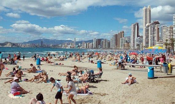 Иностранные туристы тратят в Испании на 7% больше, чем в 2013 году