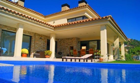 Стоимость недвижимости поднимается в восьми регионах Испании