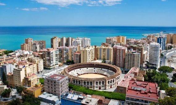 Высокие туристические расходы в Испании