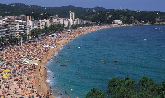 Испания примет миллионы иностранных туристов в этом году