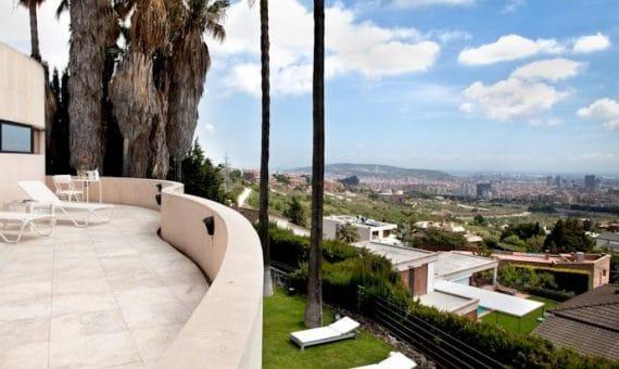 Недвижимость в Барселоне: разная, перспективная, ваша