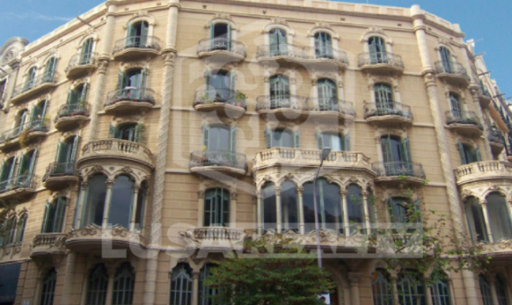 Здание  Барселона | 0-1png-2-570x340-png