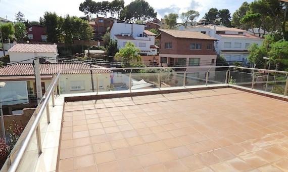 Совершенно новый дом в зоне Монтемар города Кастельдефельс   10057-11-570x340-jpg