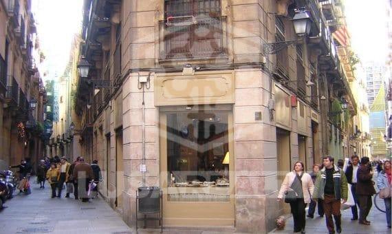 Угловое коммерческое помещение в историческом центре города с большой проходимостью, Готический квартал   0-lusastreetretailesalebarcelonapng-2-570x340-png