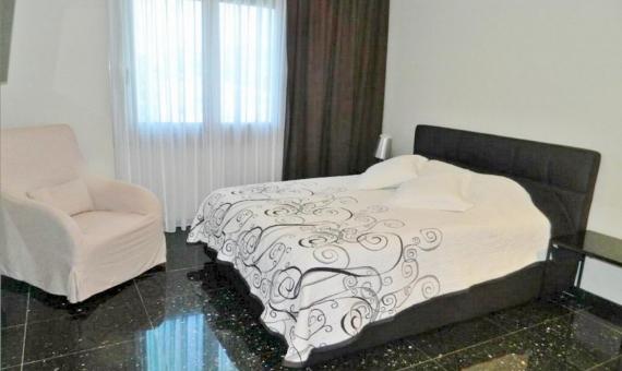 Современный дом c просторными спальнями в Ситжес | 10694-12-570x340-jpg