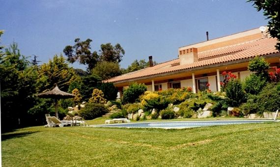 Дом на участке 3000 м2 рядом с пляжем в Кабрильсе | 10914-0-570x340-jpg