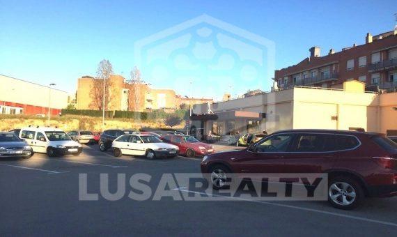 Продажа супермаркета, коммерческое помещения с арендатором в пригороде Барселоны | 11098-0-570x340-jpg
