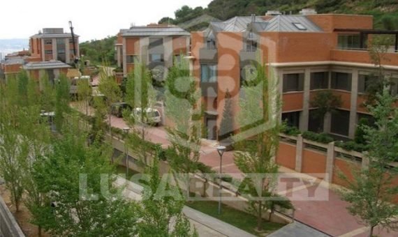 Элитные таунхаусы в самом престижном районе Барселоны | 11140-2-570x340-jpg