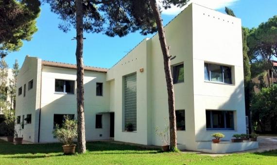 Дом с возможность разделения на 2 независимых жилых помещения на большом участке в Кастельдефельс | 11360-14-570x340-jpg