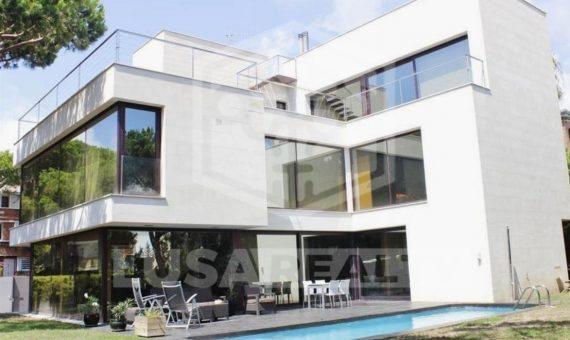 Светлый современный дом недалеко от моря в Гава Мар | 11504-5-570x340-jpg