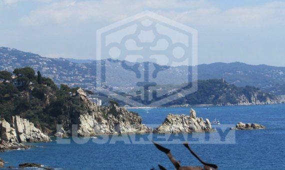 Вилла с потрясающими видами на море в урбанизации Кала Сан Францеск, Бланес | 11799-12-570x340-jpg
