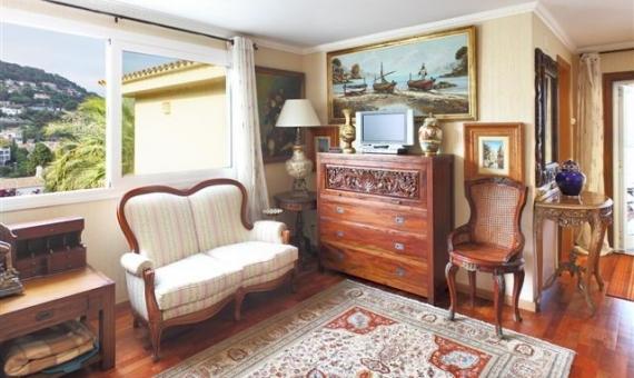Вилла с видом на море и участком 1260 м2 в Бланесе | 11961-6-570x340-jpg