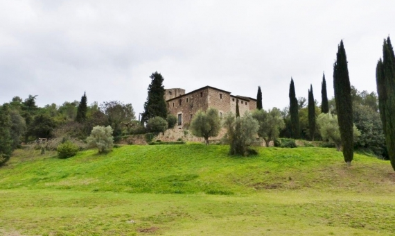 Замок Torre Negra в Сан Кугат | 11983-7-570x340-jpg