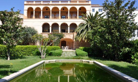 Старинный замок с лицензией на отель в Бегуре | 12259-2-511x340-jpg
