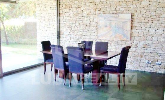 Вилла в стиле модерн на первой линии моря в престижной урбанизации Гава Мар всего в 15 минутах от Барселоны | 12293-3-560x340-jpg