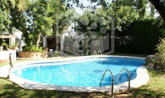 Дом на участке 1000 м2 с садом и бассейном в Рода-де-Бара | 2458-1-570x340-jpg