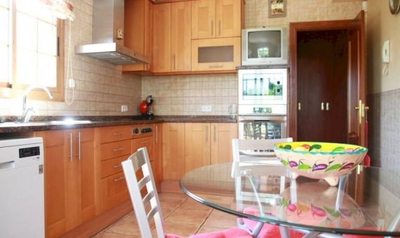 Дом 300 м2 с бассейном в Виланова-и-ла-Желтру | 3720-15-570x340-jpg
