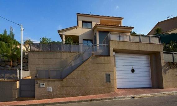 Дом 257 м2 с 4 спальнями и бассейном в Льорет-де-Мар | 4142-11-570x340-jpg