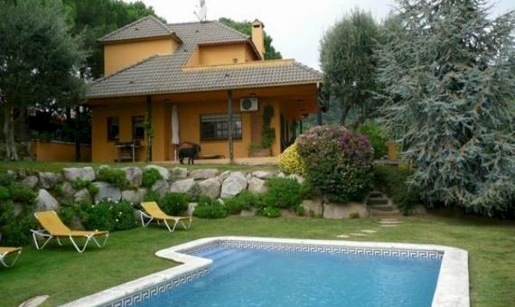 Дом с бассейном на участке 1000 м2 в Кабрильсе | 4317-1-570x340-jpg