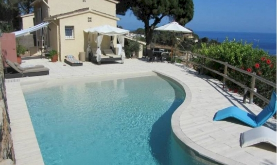 Дом с бассейном и видами на море в Тосса-де-Мар | 4395-16-570x340-jpg