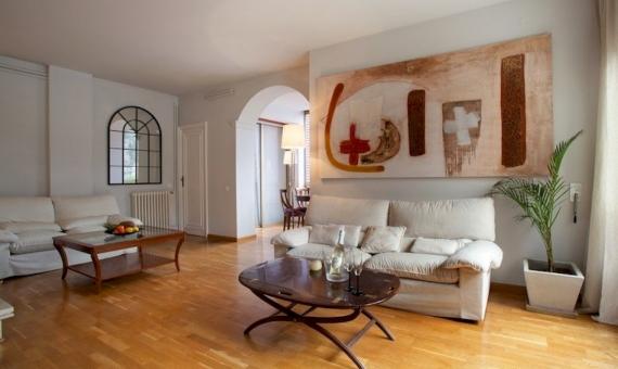 Квартира 145 м2 с туристической лицензией в Саррия / Сан Джерваси | 3