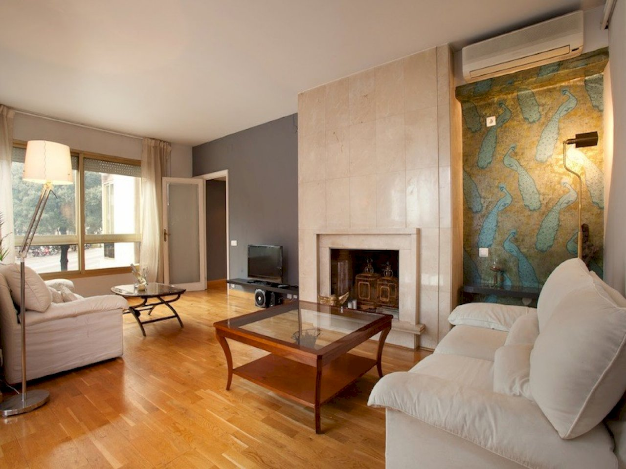 Квартира в Барселоне с туристической лицензией (Via Augusta)
