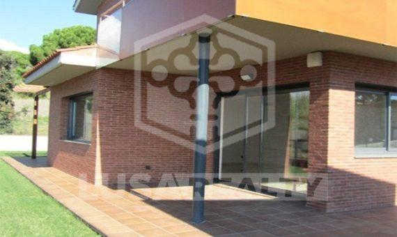 Таунхаус  Побережье Барселоны | 5026-1-570x340-jpg