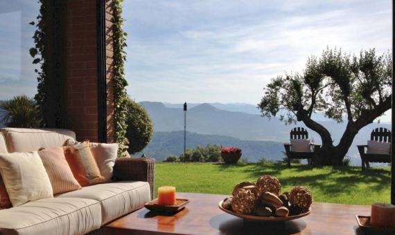 Новый дом с потрясающими видами на горы на участке  м2 в 30 км от Барселоны | 6418-14-570x340-jpg