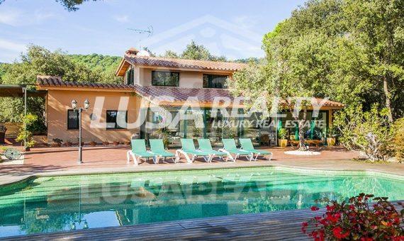Уютный дом на участке 3.751 м2 с возможностью расширения до 1.000 м2 жилья в престижной урбанизации Сан Андреу де Льяванерас   6971-17-570x340-jpg