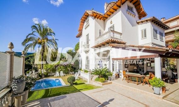 Старинный дом площадью 750 м2 в центре Сан-Андрес-де-Льеванерас | 6997-16-570x340-jpg