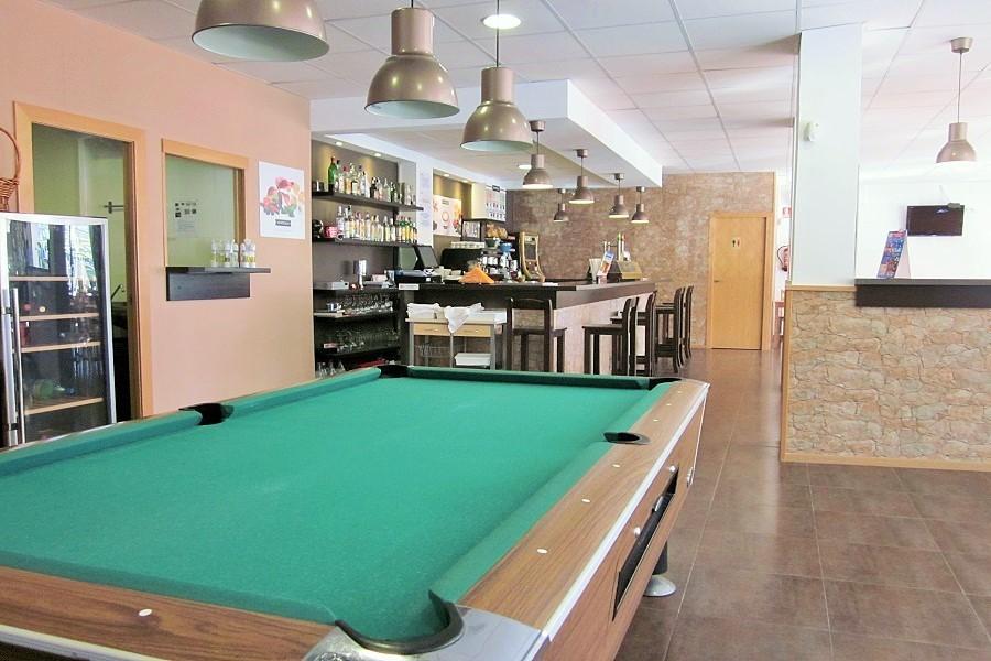 12607 — Ресторан 178 м2 + терраса 15 м2 в траспасо в Кастельдефельсе | 706-0-jpg