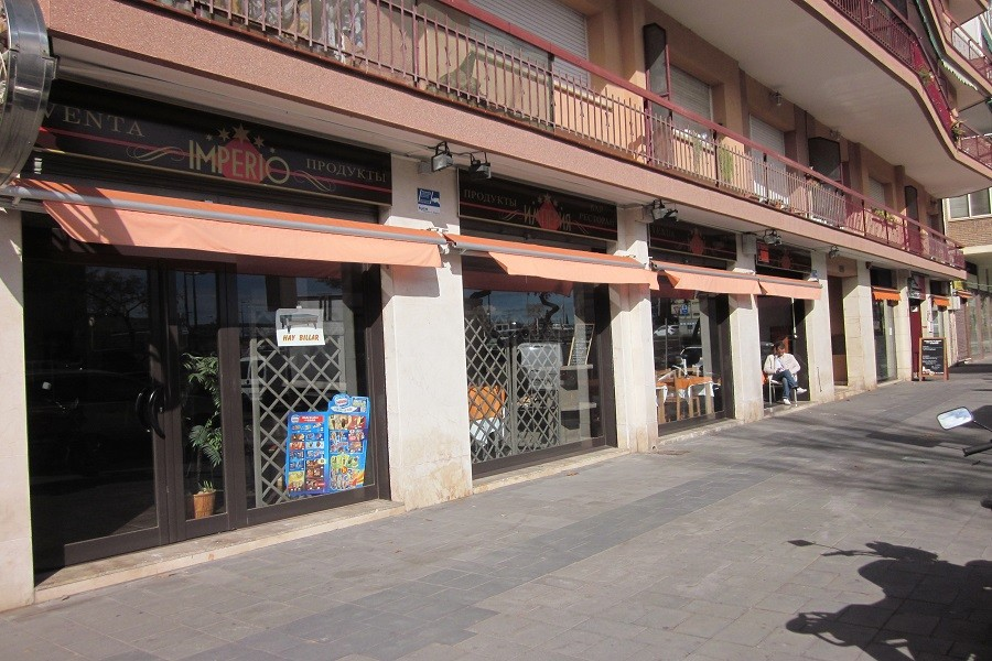 12607 — Ресторан 178 м2 + терраса 15 м2 в траспасо в Кастельдефельсе | 706-5-jpg