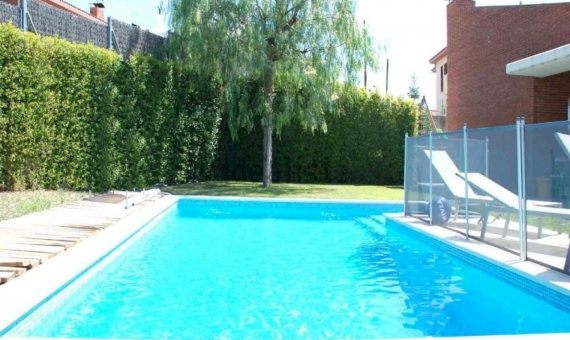 Дом 307 м2 с бассейном в Алелье | 7106-13-570x340-jpg
