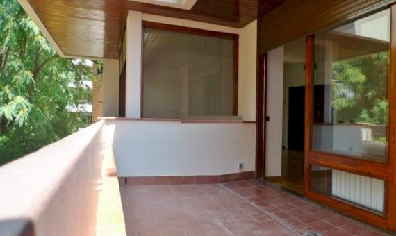 Квартира с террасой 18 м2 в Саррия / Сан Джерваси | 2