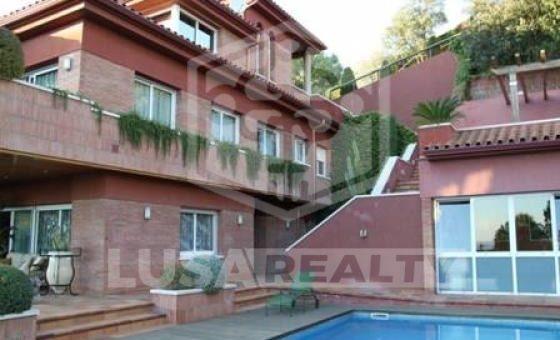 3122  Вилла  Побережье Барселоны | 9105-2-560x340-jpg
