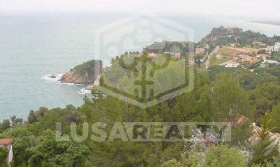 Вилла на участке 1300 м2 с бассейном и видом на море в Бланесе | 9748-3-570x340-jpg