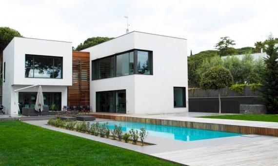Вилла 430 м2 в кубическом стиле в Сан-Андрес-де-Льеванерас | 9767-0-570x340-jpg