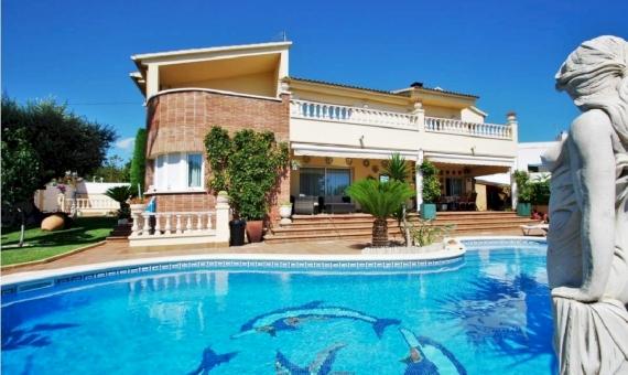 Шикарная вилла возле моря на Costa Dorada | properie-0005-570x340-jpg
