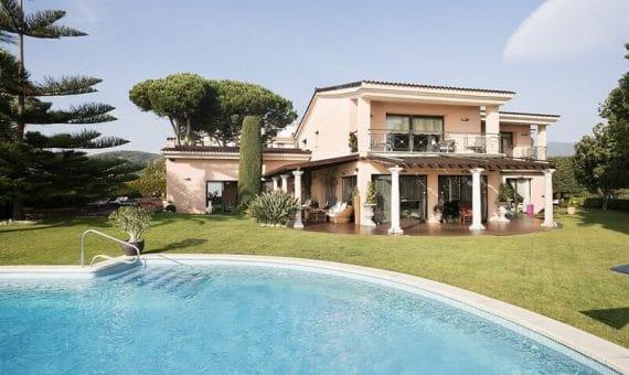 Инвестировать в недвижимость Испании