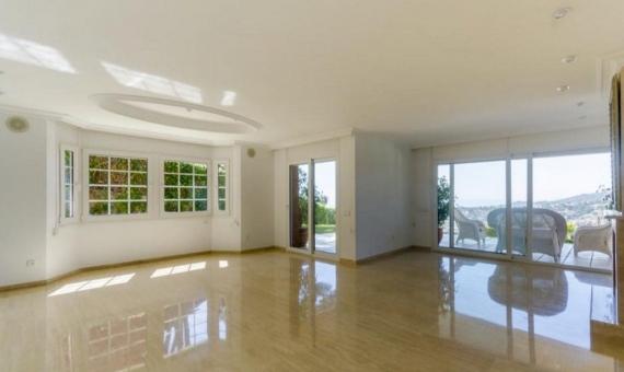 Дом 762 м2 новой постройки с видами на море в Кабрильсе | 0-lusarealty-house-cabrils-barcelona00001jpeg-570x340-jpg