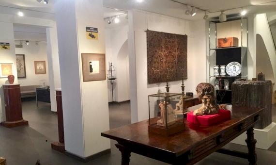 Здание с художественной галереей в Старом Городе | 7-whatsapp-image-20170313-at-113705-570x340-jpg