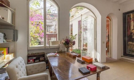 Роскошный дом с большой террасой в элитной зоне Барселоны | 2-87233420176420059497-570x340-jpg