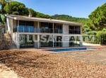 12809 — Продажа новой виллы с видом на море в  Cabrera de Mar | 32-lusa-realty-modern-luxury-villa-in-costa-maresme00033-150x110-jpg