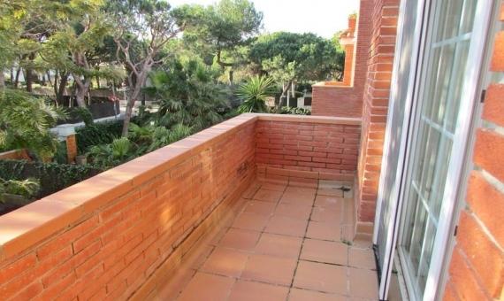 Вилла 300 м2 у моря в Гава Мар | 13-lusa-house-barcelona-19-570x340-jpg