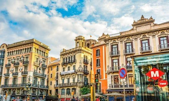 Продается жилой дом в историческом центре Барселоны Эль Раваль | la-rambla-barcelona-570x340-jpg