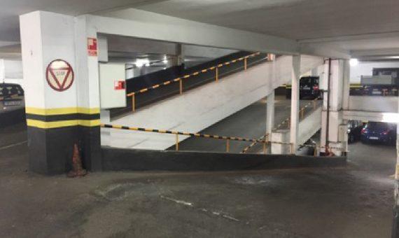 Паркинг 7.737 м2 в районе Оспиталь Клиник, зона Эшампле | 12412-0-570x340-jpg