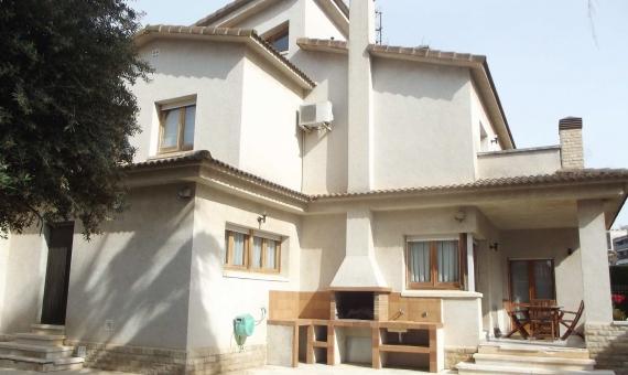 Продажа элегантного дома в центре города Вендрель | 1-3-570x340-jpg
