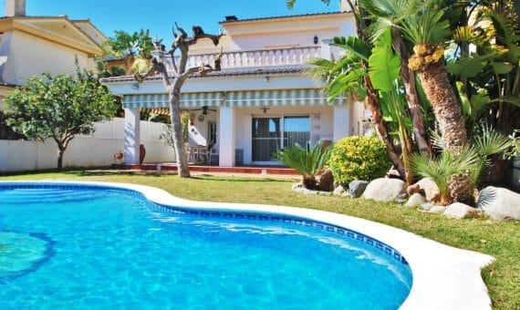 Вилла 200 м2 с частным бассейном в Калафель | 3-fileminimizer-1-570x340-jpg