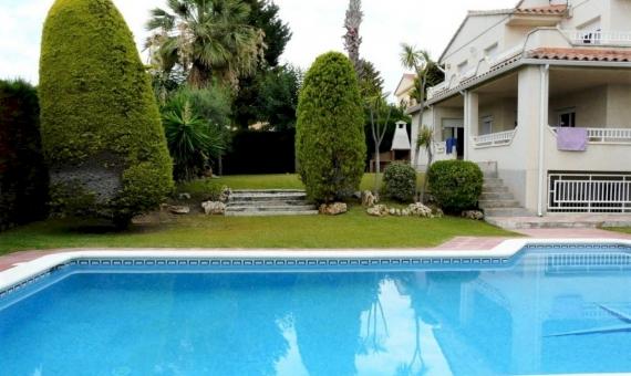 Великолепная вилла с красивым садом в Калафель | p1190937-fileminimizer-570x340-jpg